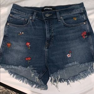 High waisted floral shorts